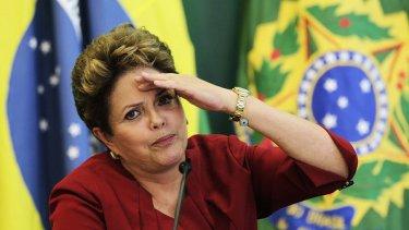 Dilma-Rousseff-imprensa-brasilia-20121227-02-size-598
