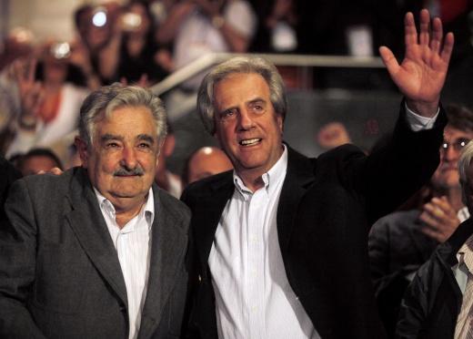 Presidente Mujica y su sucesor Tabaré Vázquez